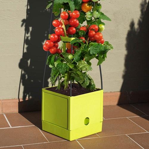 Soluzioni-originali-per-il-giardino-vaso-torre
