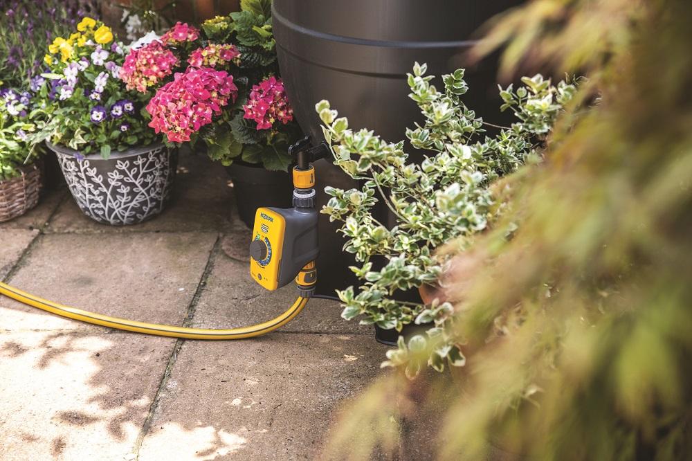 Arredo giardino e il colore Pantone - Hozelock