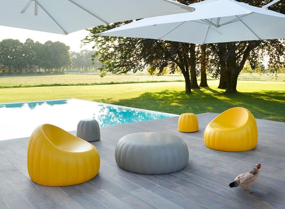 Arredo giardino e il colore Pantone - slide